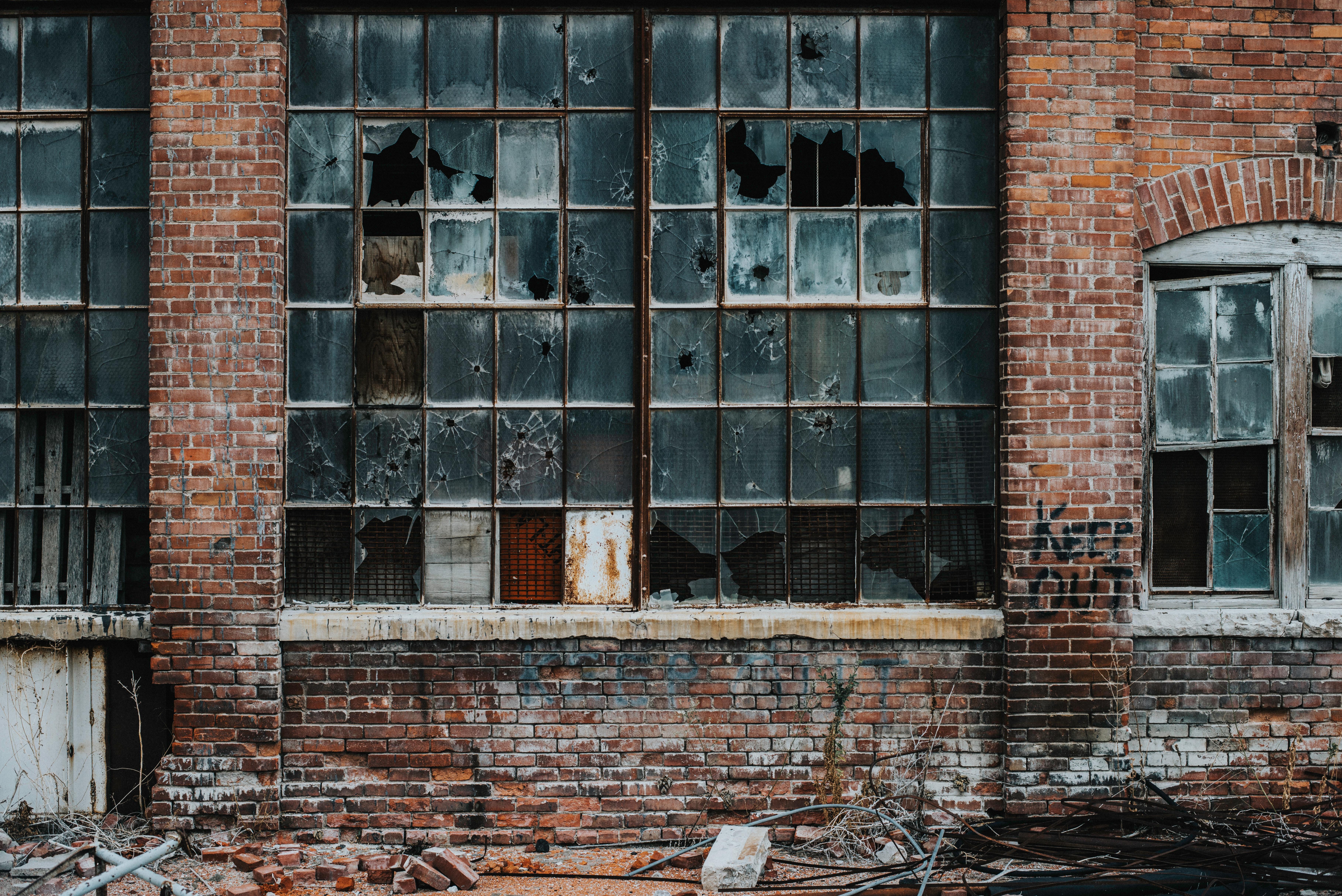 Descubre cómo encontrar a los herederos de una vivienda abandonada